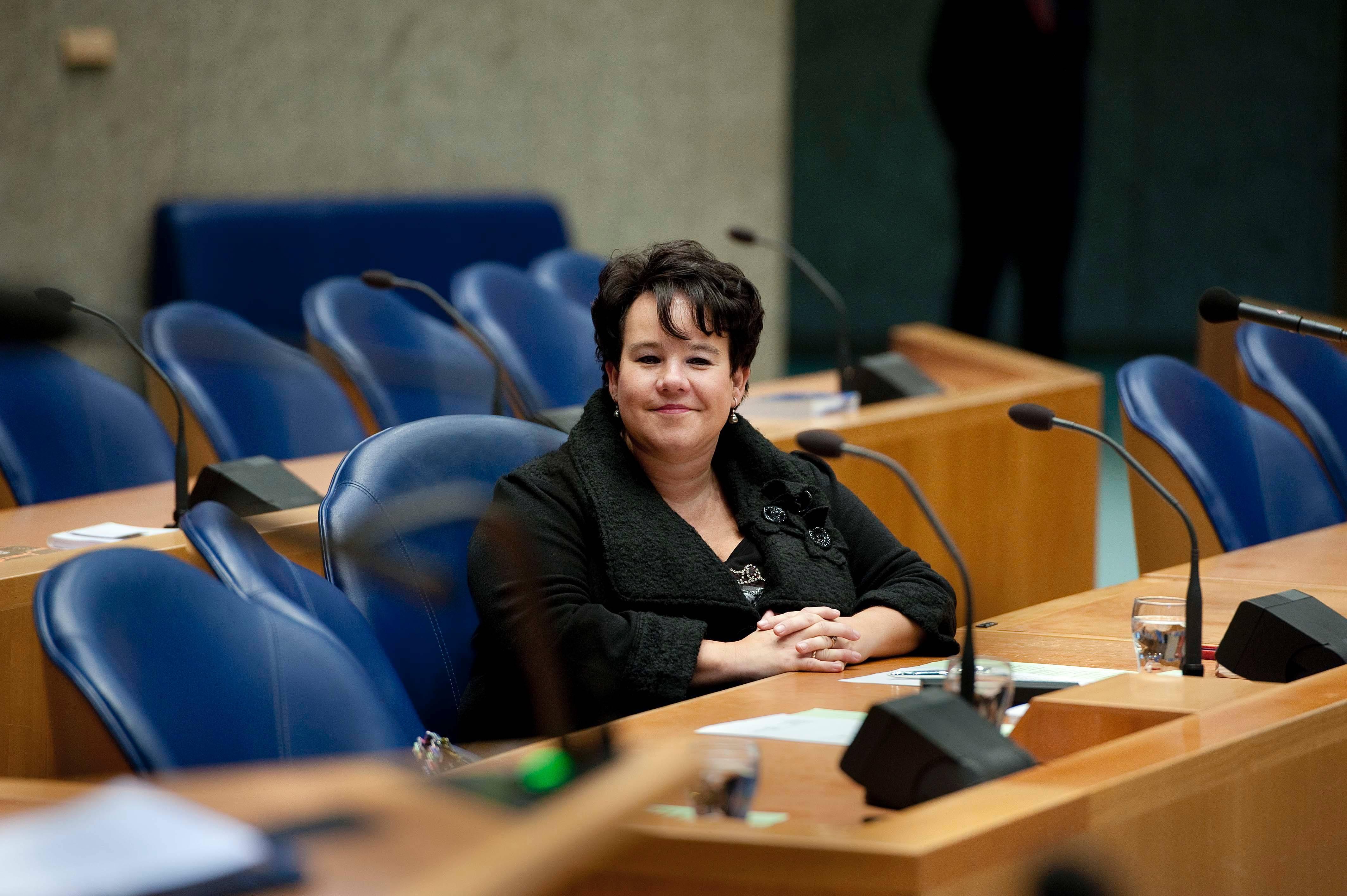 2 Sharon Dijksma