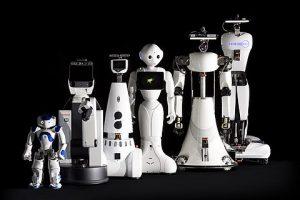 zorgrobots van Tech United: vlnr NAO (Aldebaran), HERO (Human Empowered Robot ), PICO (verbouwde Gostai Jazz), Pepper (Aldebaran),  AMIGO (Autonomous Mate for IntelliGent Operations, gebouwd door Tech United, TU/e) & SERGIO (Second Edition Robot for Generic Indoor Operations [nog zonder armen]) ( gebouwd door Tech United, TU/e)
